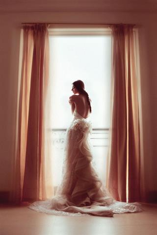 6 Pilihan Gaun Pernikahan Anggun Minimalis