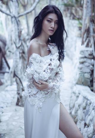 5 Pilihan Gaun Pernikahan Internasional Pilihan Karya Desainer Indonesia