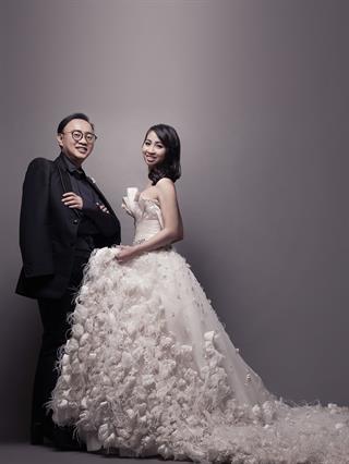 Gaun Pernikahan Rancangan Desainer Eddy Betty untuk Seorang Entrepeneur, Davita Natalia