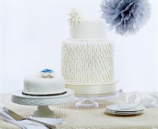 Kue Pengantin Putih Elegan