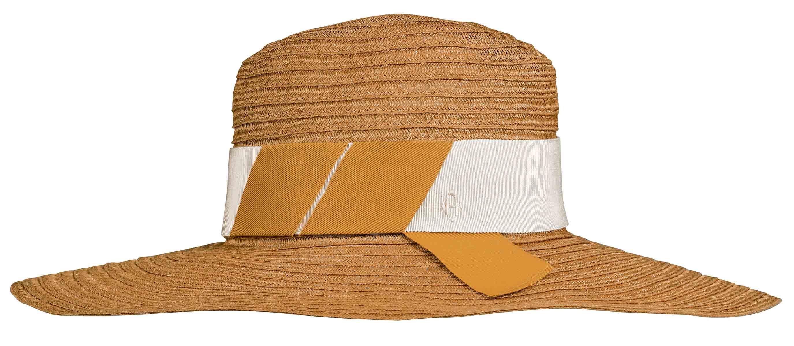 Siap Gaya Liburan Musim Panas Ini dengan Straw Hat Hermès