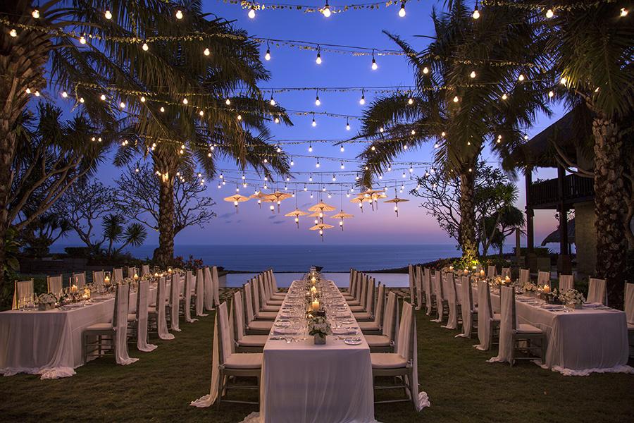 Ukir Memori Pesta Pernikahan Tak Terlupakan Di Villa Tirtha Uluwatu Bali