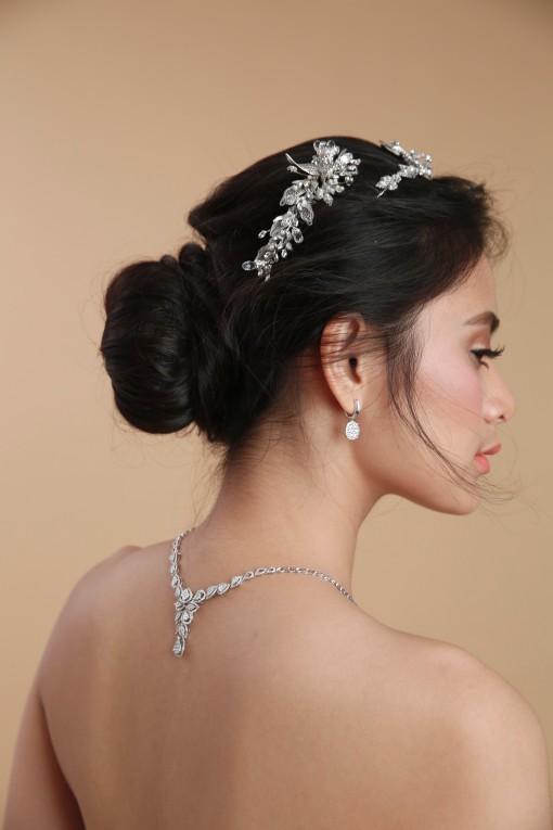 Inspirasi Gaya Rambut Pernikahan Top Knot yang Klasik Memesona