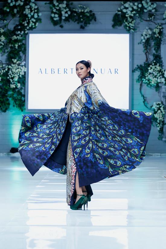 Albert Yanuar Hadirkan Koleksi Busana Pre-Fall 2016 Bertajuk Moz Peacock