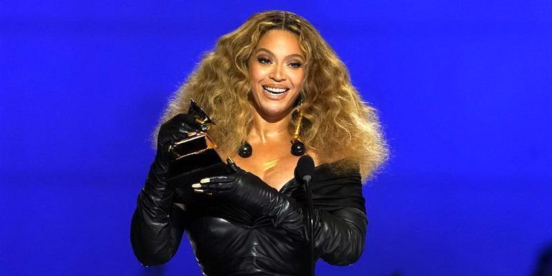6 Musisi Perempuan yang Sukses Mendominasi Grammy 2021