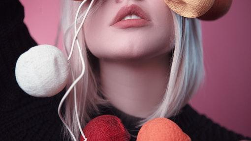 Simak Tip Mengaplikasi Ulang Matte Liquid Lipstick