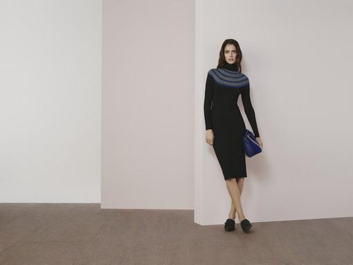 Simak Gaun Turtleneck Lansiran Karen Millen yang Cocok untuk Segala Acara