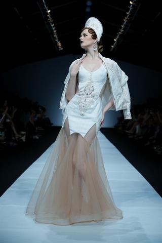 Kreasi Haute Couture dan Ready-To-Wear Murid-Murid Terbaik Abineri Ang.
