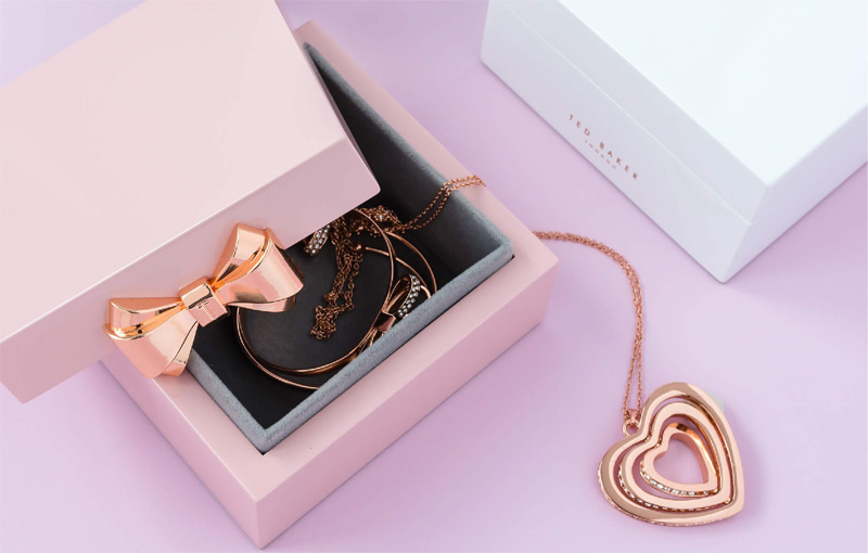 Kotak Perhiasan Persembahan Ted Baker