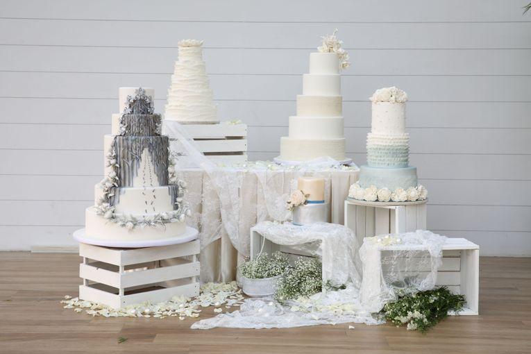 Simak Inspirasi Wedding Cake dengan Sentuhan Rona Metalik