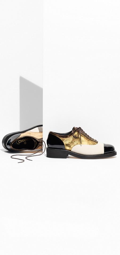 Energi Maskulin Sepatu Derby Menghiasi Chanel Cruise 2017