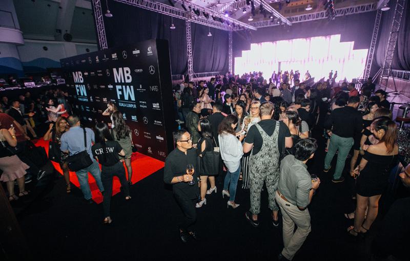 Tampilan Desainer Internasional di Hari Kedua Mercedes Benz Fashion Week Kuala Lumpur