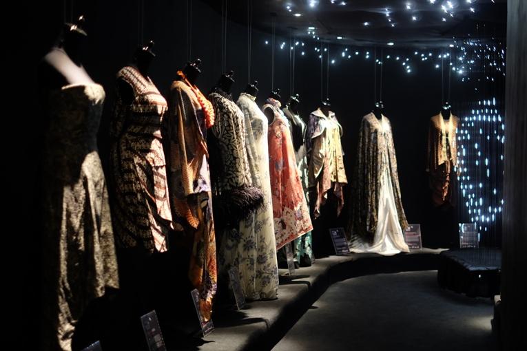IPMI Mempersembahkan Sebuah Pameran Instalasi Batik dalam Rangka Hari Batik Nasional