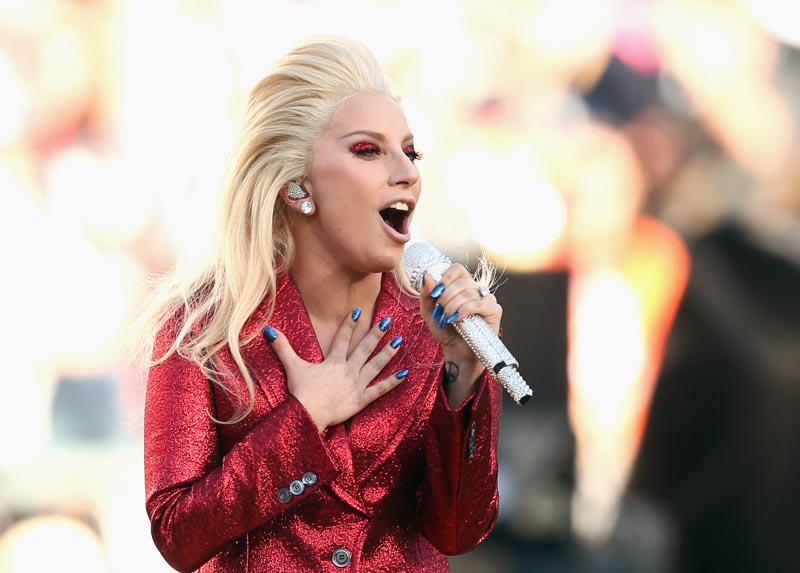 Super Bowl 2016, Warna Bendera Amerika Penyanyi Lady Gaga Di National Anthem