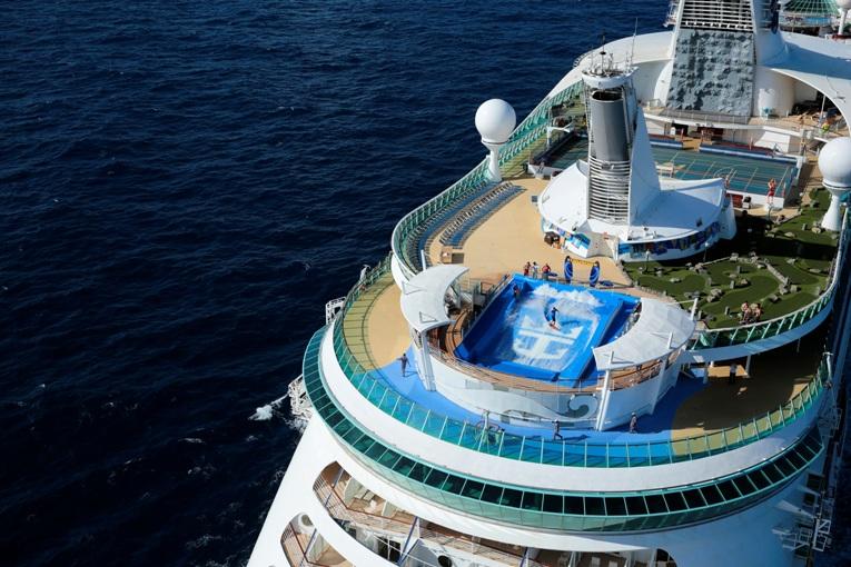 Pengalaman Sensasional dari Atas Kapal Pesiar Royal Caribbean Cruises