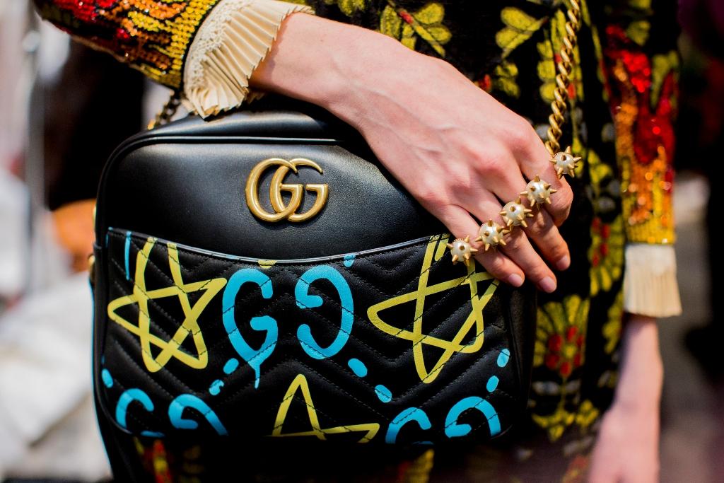 Kolaborasi Gucci dan Seniman Trouble Andrew