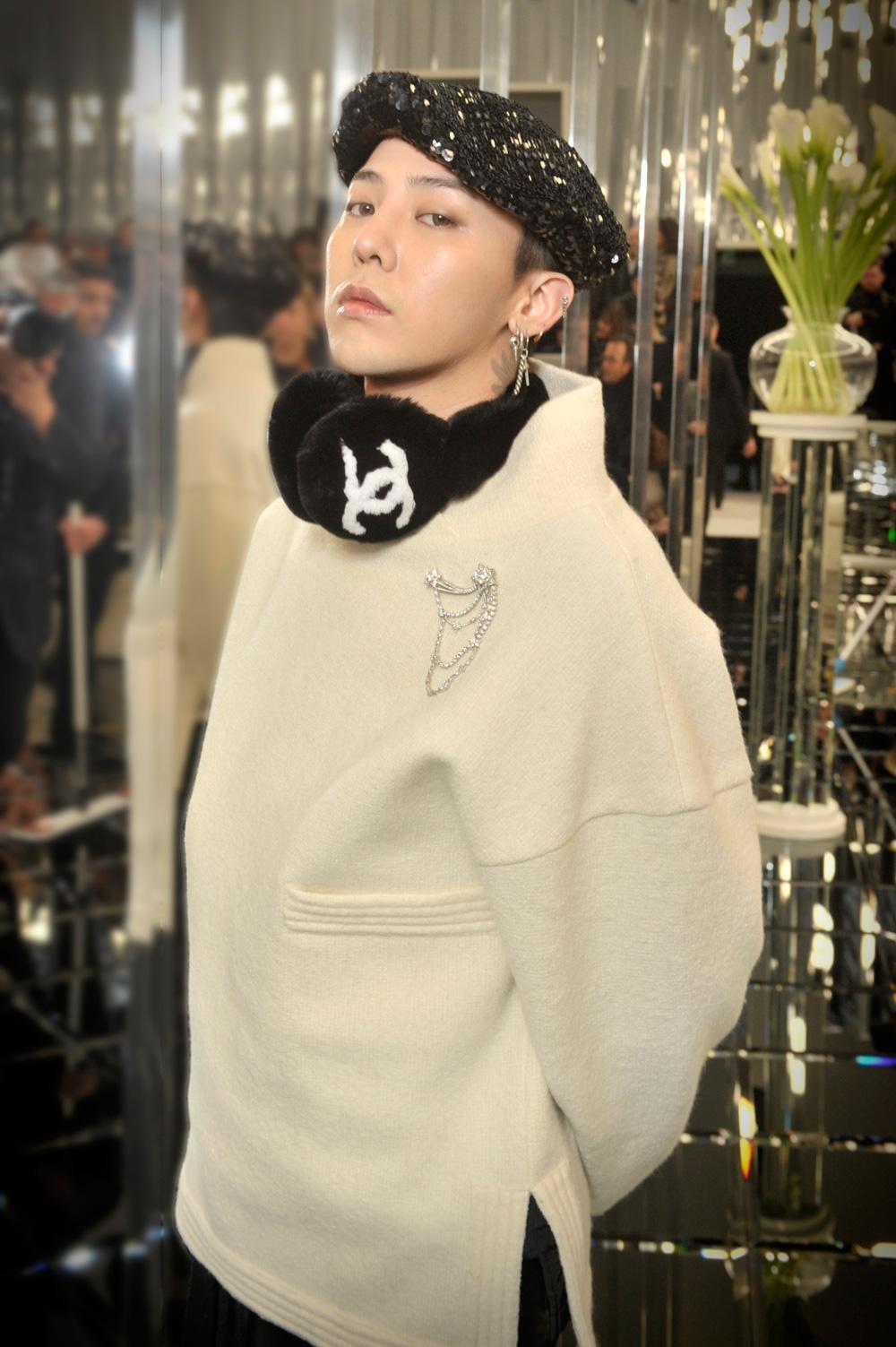 Intip Gaya Para Selebritas Kala Menghadiri Gelaran Mode Adibusana Chanel