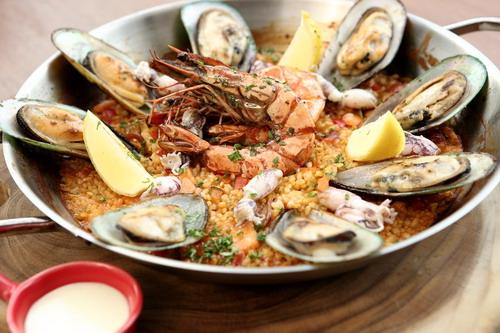Nikmati Hidangan Khas Spanyol oleh Basque – Bar de Tapas