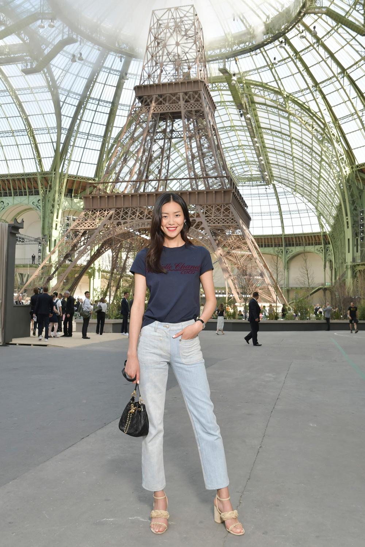 Inilah Gaya Para Selebritas yang Menghadiri Gelaran Mode Chanel Haute Couture