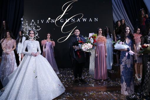 'Under The Star' Karya Bertabur Bintang Ivan Gunawan