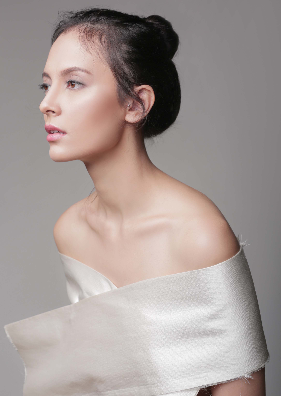 Apa itu AHA, Botox, Collagen, Dermabrasi, Emollient, dan Fragrance dalam kamus kecantikan?