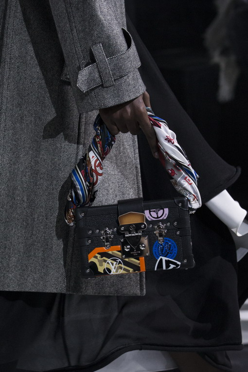 Intip Aksesori dari Gelaran Mode Louis Vuitton Musim Gugur/Dingin 2016