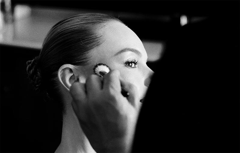 Tips Riasan Mata Sempurna untuk Wanita Asia oleh Hung Vanngo