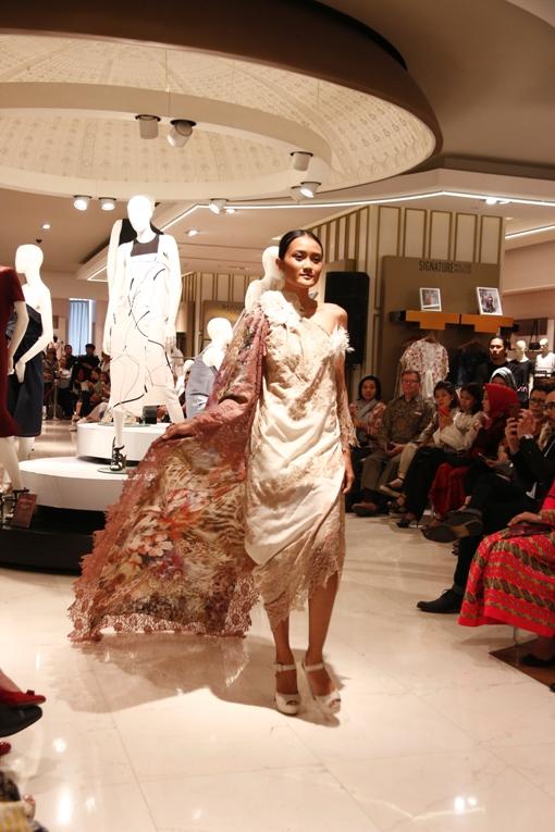 Rising Fashion Memperkuat Hubungan Bilateral Singapura dan Indonesia dalam Ranah Mode.