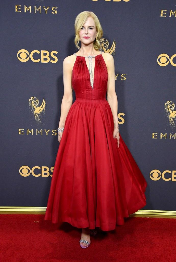Simak Gaya Glamor Para Bintang di Gelaran Emmy Awards 2017