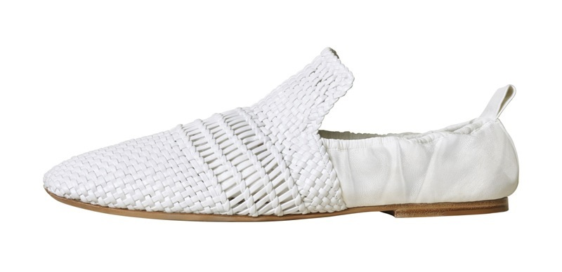Menapaki Kenyamanan dengan Sepatu Moccasin dari Celine