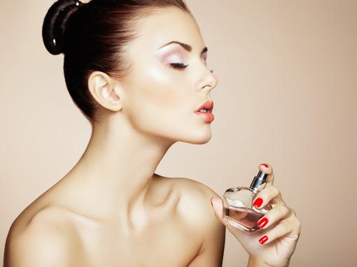 Gunakan Body Lotion Agar Wangi Parfum Dapat Bertahan Lama di Tubuh Anda