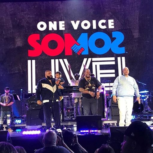 """Ketika Para Selebriti Bersatu dalam Konser Penggalangan Dana, """"Somos Una Voz"""""""