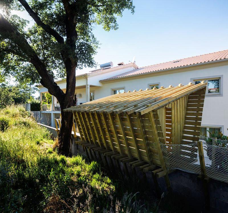 Inspirasi Tree House yang Tidak Dibangun Di Atas Pohon