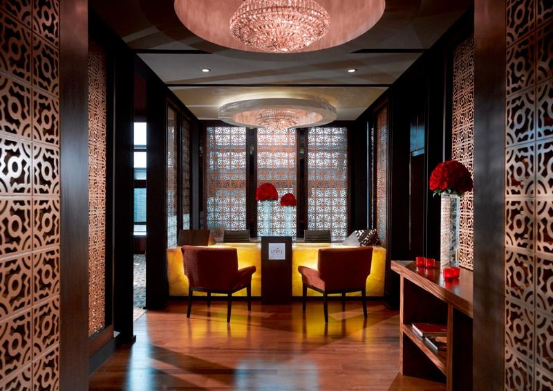 Nikmati Sensasi Santap Mewah bersama Kerabat di Red Lounge Level Gran Melia
