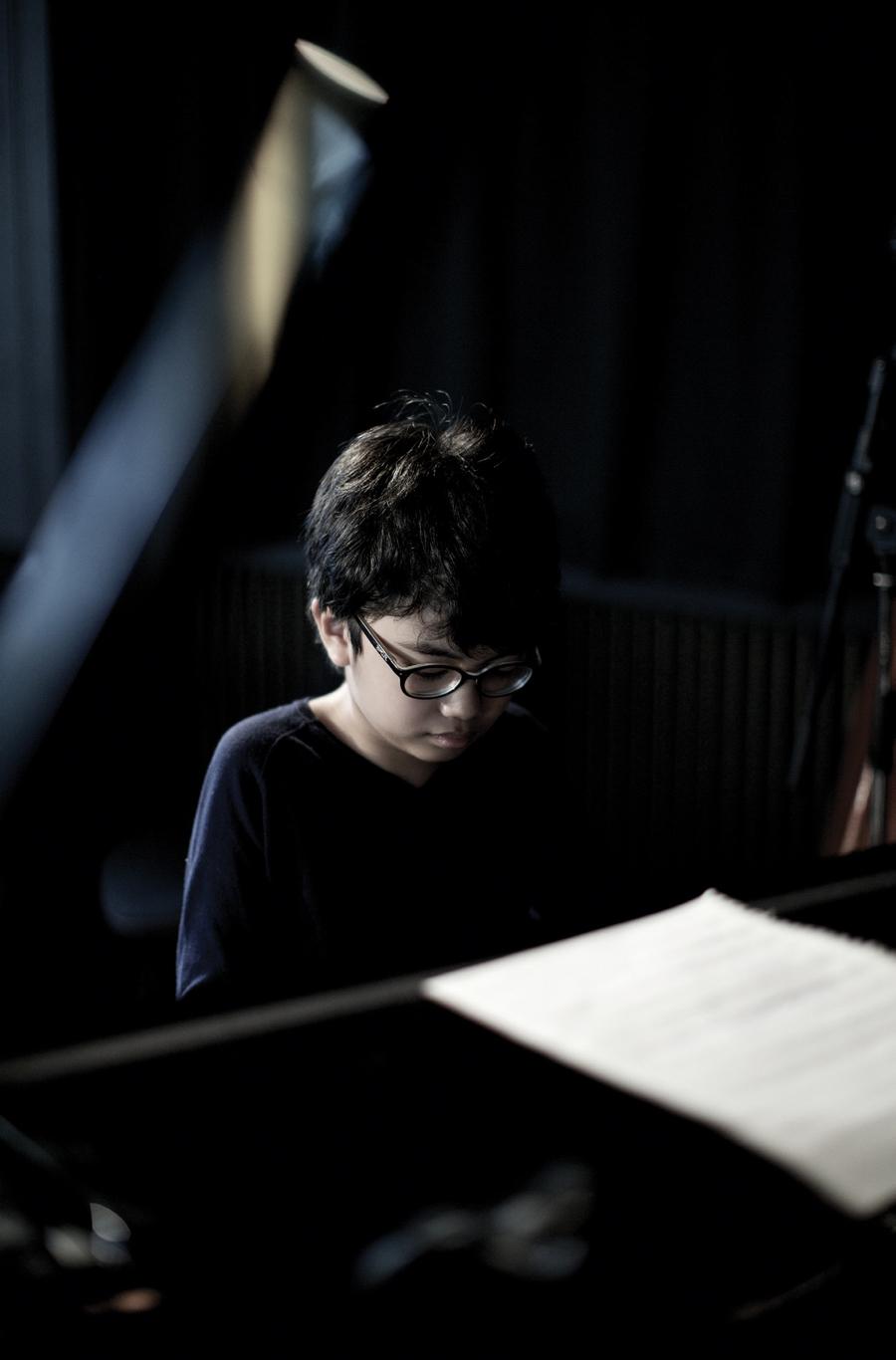 Joey Alexander Pianis Muda Indonesia Torehkan Prestasi di 58th Grammy Awards