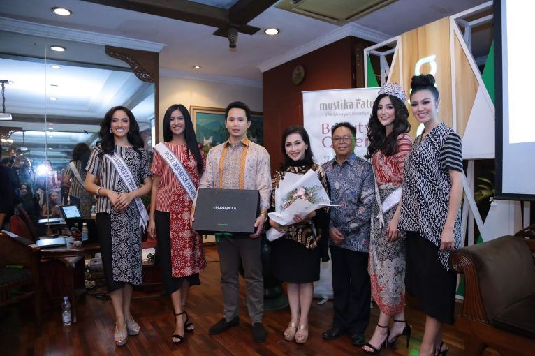 Kolaborasi Kecantikan Alami lewat Beauty Box Mustika Ratu Beauty Queen Series