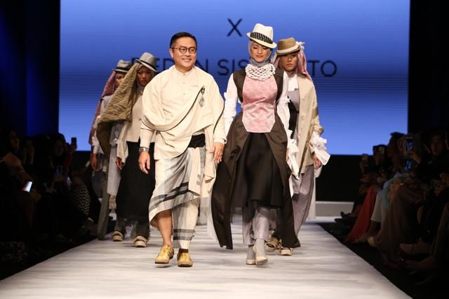 4 Desainer Indonesia Berkolaborasi dalam Satu Panggung