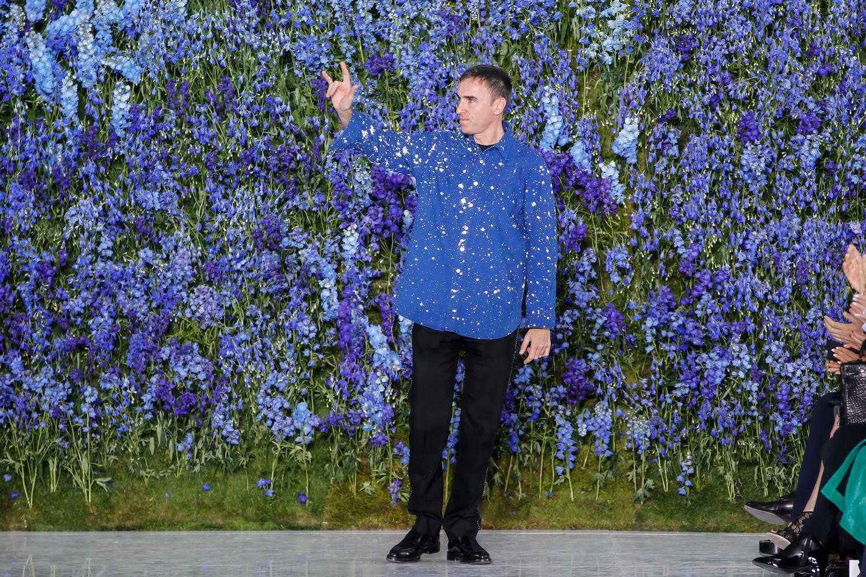 Desainer Raf Simons Tinggalkan Rumah Mode Dior