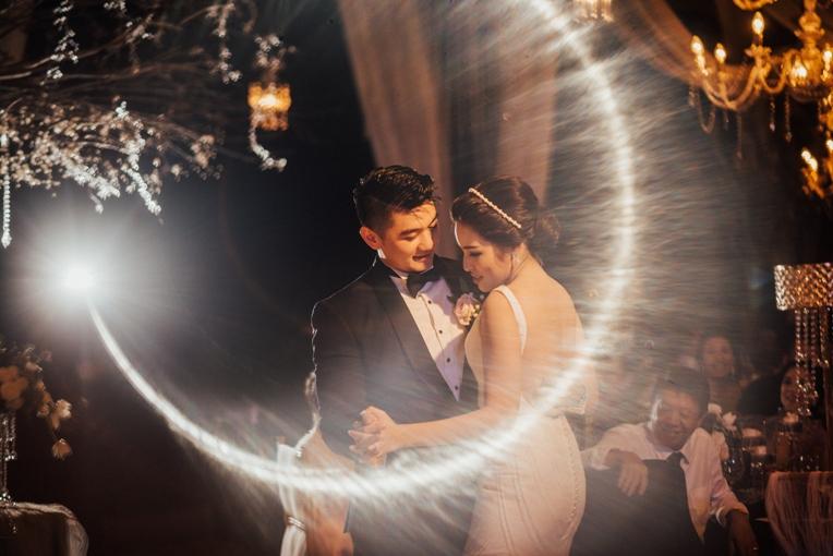 Sajian Kisah Cinta Arnold Poernomo dan Tiffany Soetanto