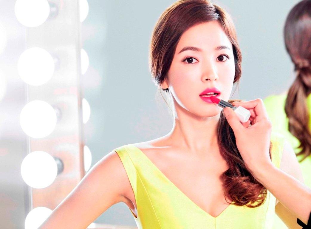 Kilau Bibir Cantik dengan LANEIGE Silk Intense Lipstick