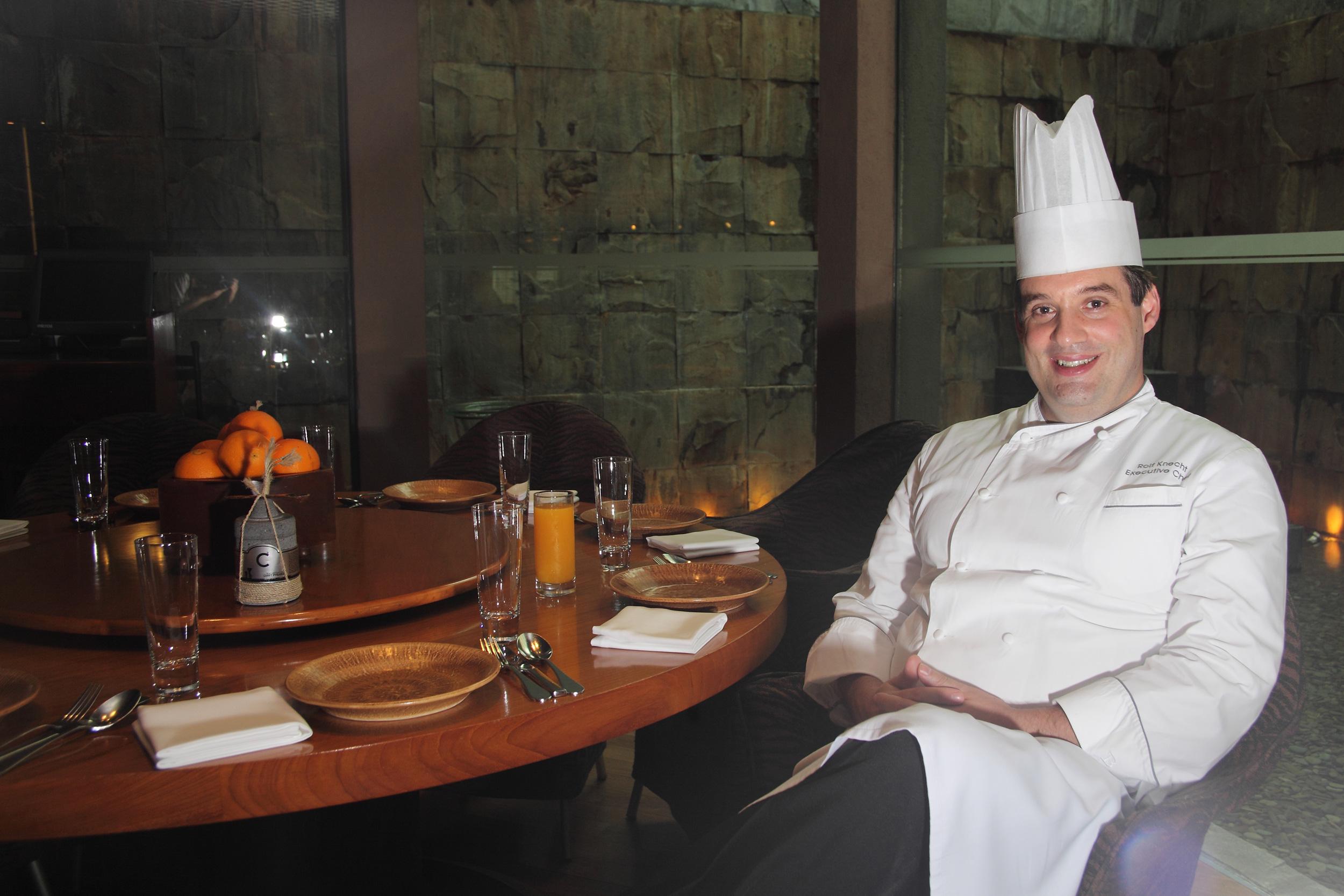 Rolf Knecht, Executive Chef Grand Hyatt Jakarta yang Gemar Blusukan ke Pasar Tradisional