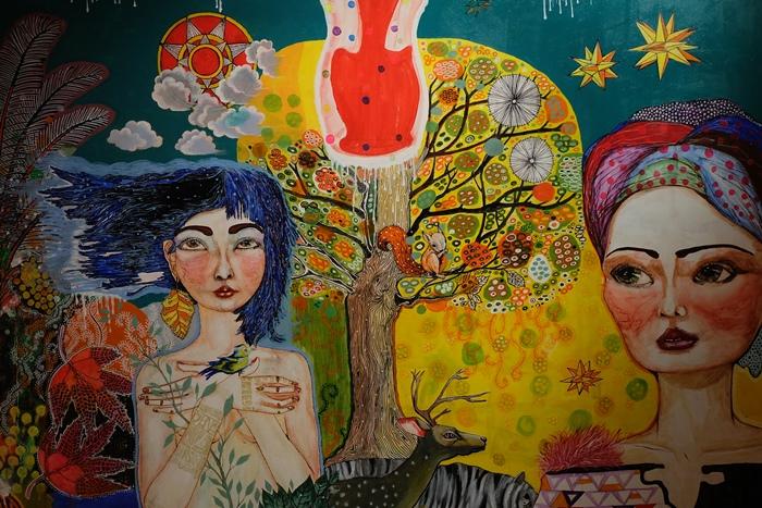 Inilah Seni yang Menggambarkan Perempuan Indonesia oleh Nana tedja dan Utin Rini