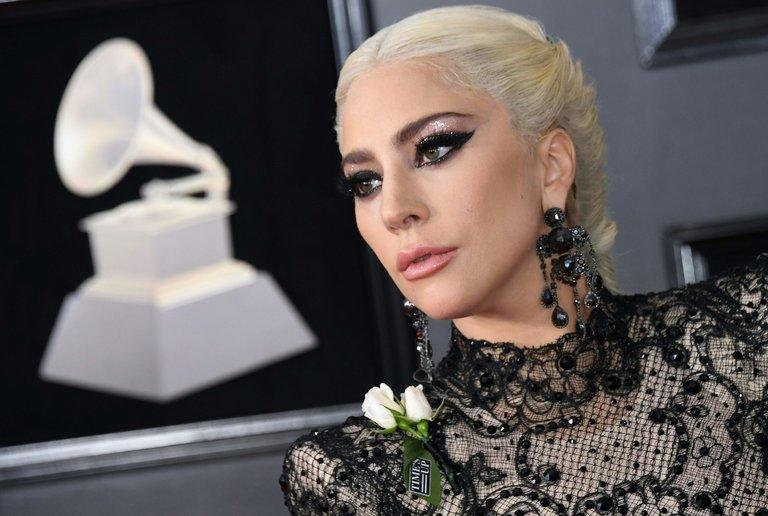 Menilik Arti Sematan Mawar Putih di Perhelatan Grammy Awards 2018