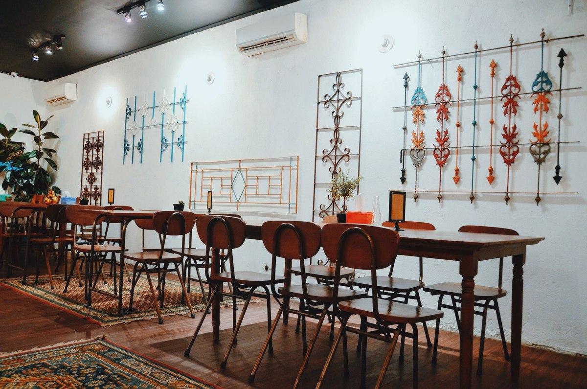 Restoran Khas Timur Tengah yang Siap Menemani Malam Berbuka Anda
