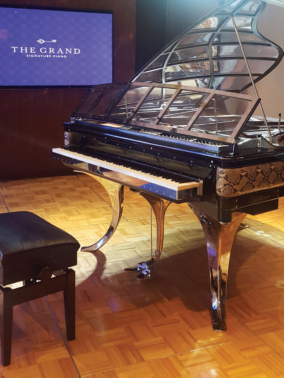Keindahan Piano Bluthner di The Grand Signature Piano