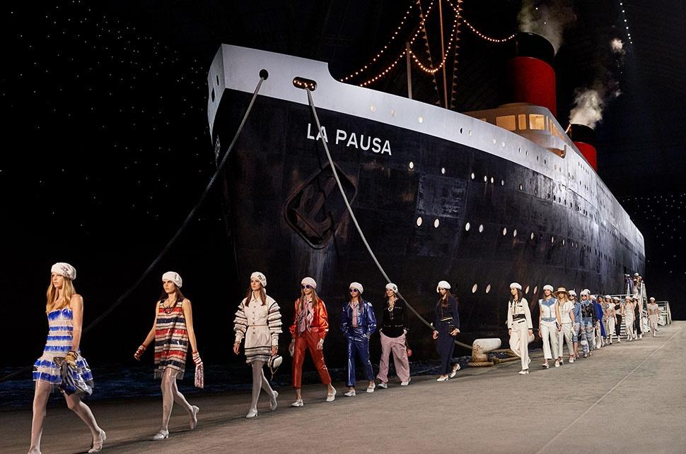 Mari Berlayar Bersama Chanel Cruise Show di Perancis