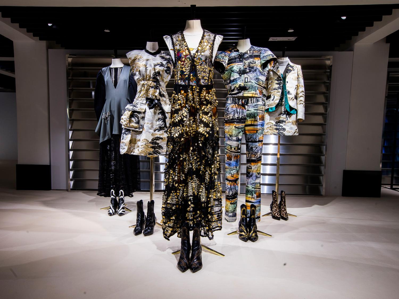 Inilah Persembahan Nicolas Ghesquière untuk Koleksi Cruise 2018 Louis Vuitton