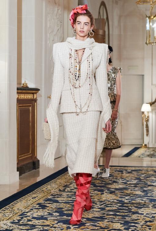 Presentasi Mahakarya Chanel Métiers d'Art di Paris