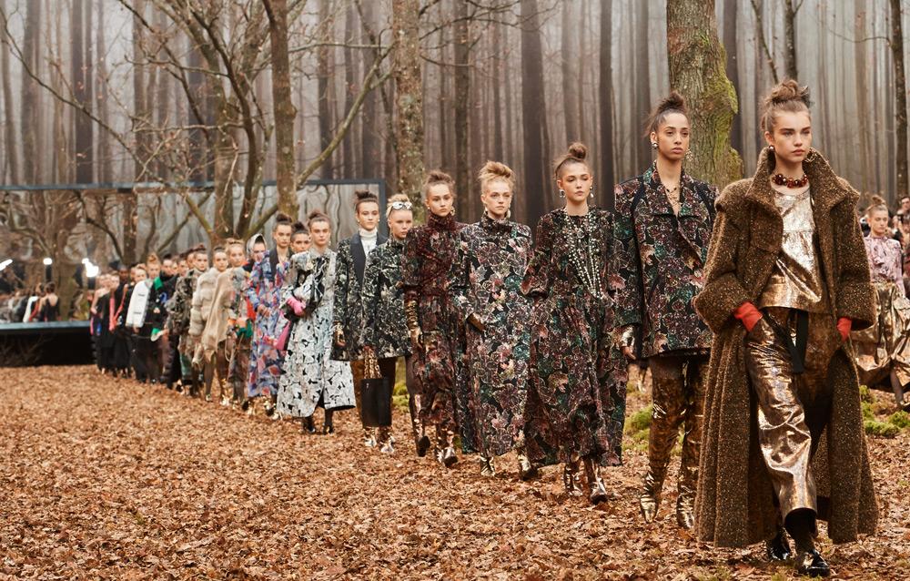 Rona Musim Gugur dan Renouveau abadi Persembahan Chanel