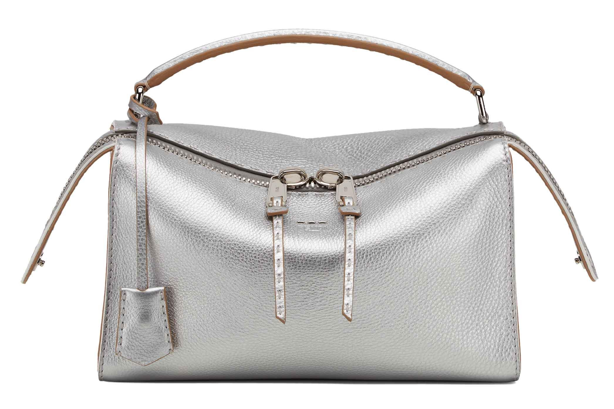 The New IT Bag: Sambut Tas Lei Dari Fendi yang Fungsional dan Gaya